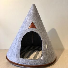 sleeping hut for cats